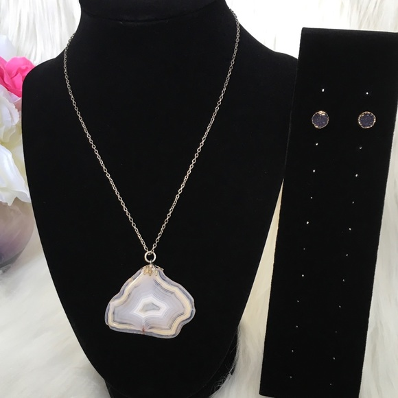 Jewelry - Agate Necklace with Druzy Stud Earrings